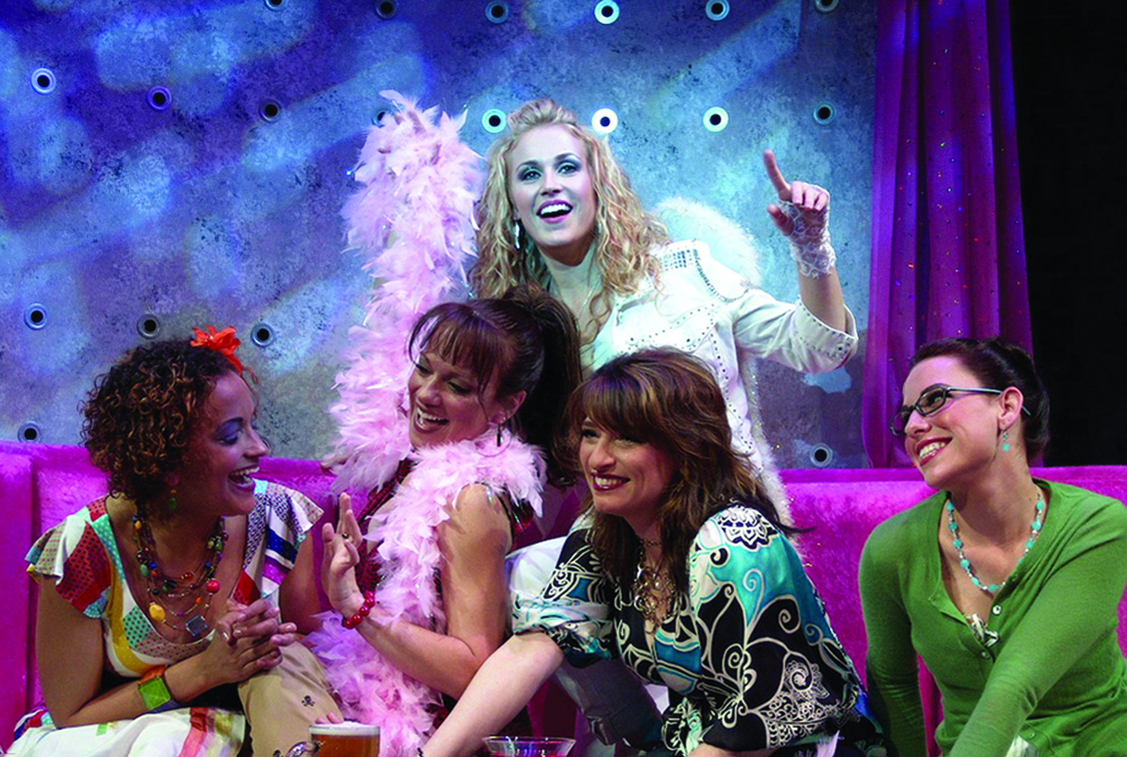 """""""GIRLS NIGHT: THE MUSICAL"""" SPICES UP SUMMER IN CHICAGO JUNE 22 – AUGUST 26"""