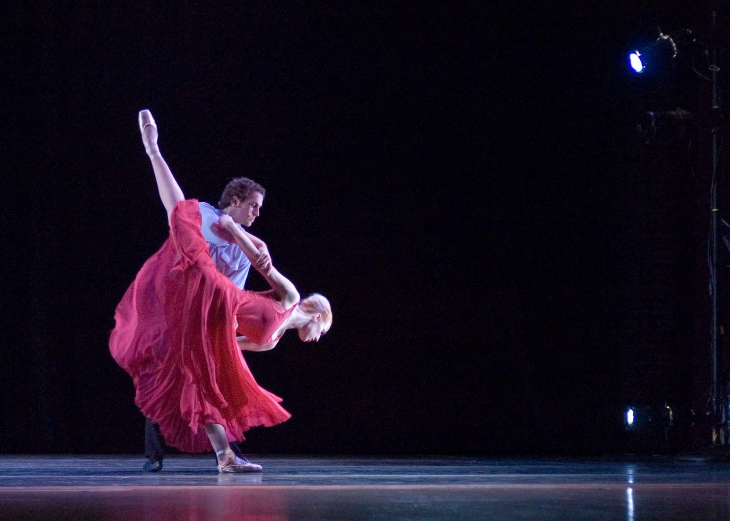 ANNOUNCING CHICAGO'S NEWEST DANCE COMPANY CHICAGO REPERTORY BALLET