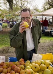 Chef John Cordeaux Visits Green City Market lo-res